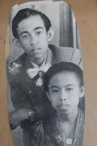 Ibu bersama bapak semasih pengantin baru (foto dok pribadi)