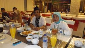 Buka puasa bersama istri restoran Pualam, Pantai losari Makassar (dok pribadi)
