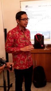 Indra Yustiawan, Head of Communication Moco, pihak yang mengurus aplikasi Perpustakaan Digital atau IJakarta (foto ; Nur Terbit)