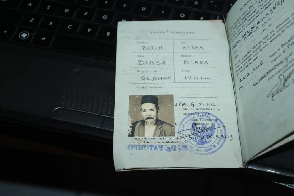 Model paspor yang dipakai kakekku naik haji era kapal laut (foto dok pribadi)