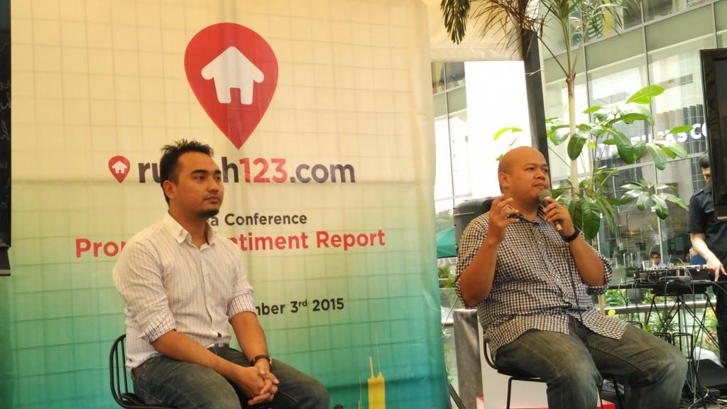 Ignatius Untung, Country General Manager Rumah123.com didampingi anggota timnya Raetedy Refanatha (foto : Nur Terbit)