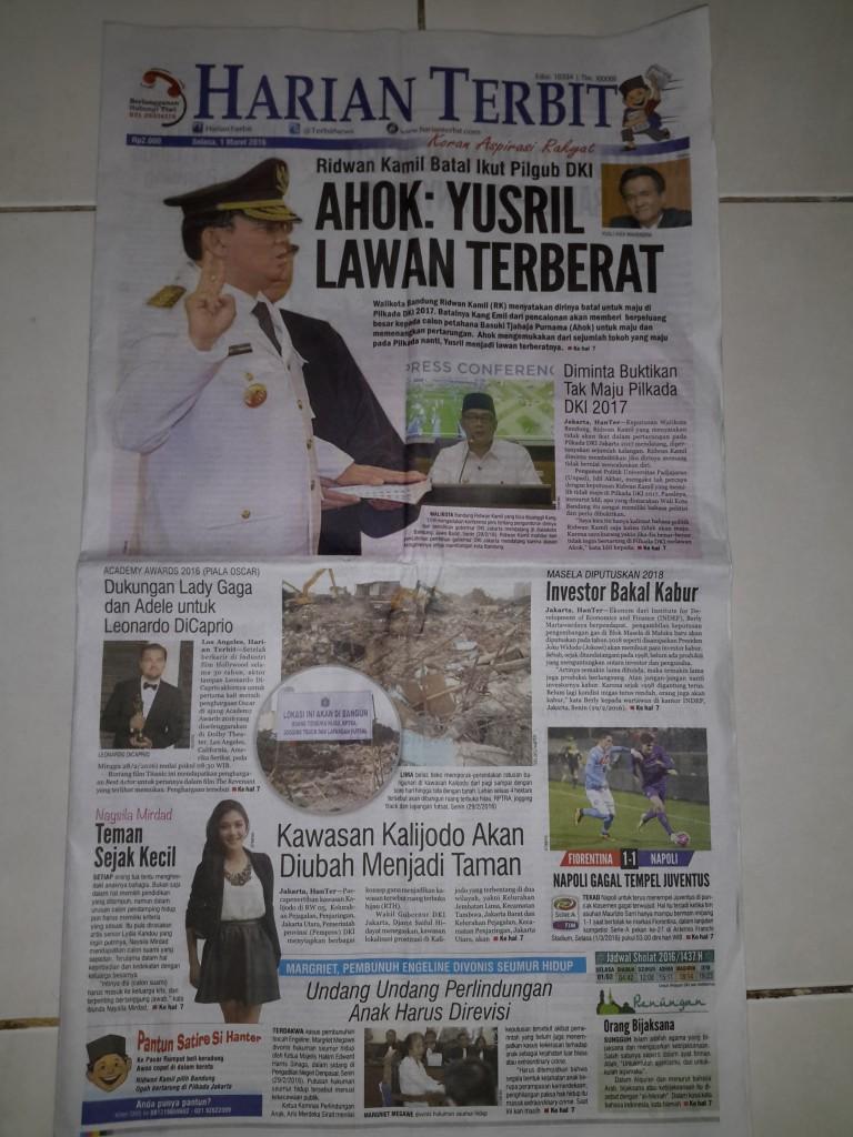 Koran sore HARIAN TERBIT edisi Selasa, 1 Maret 2016 yang merupakan terbitan terakhir (foto : Nur Terbit)