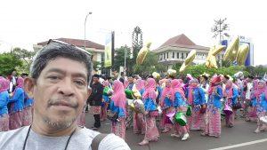 Narsis di acara karnaval budaya memperingati HUT Kota Bekasi (foto dok pribadi)