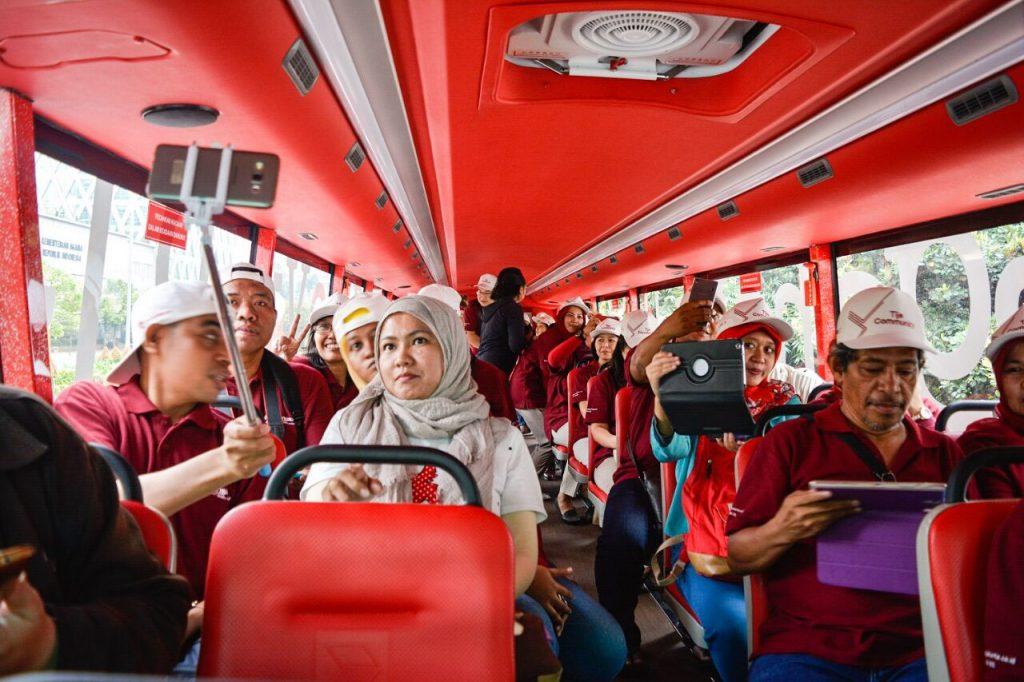 Suasana penumpang bus tingkat armada busway Transjakarta (dok WA TdB)