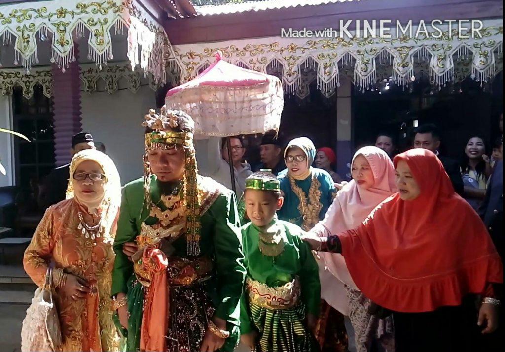 UANG PANAI biasanya diantar bersamaan dengan fisik calon penganten pria (foto : Nur Terbit)