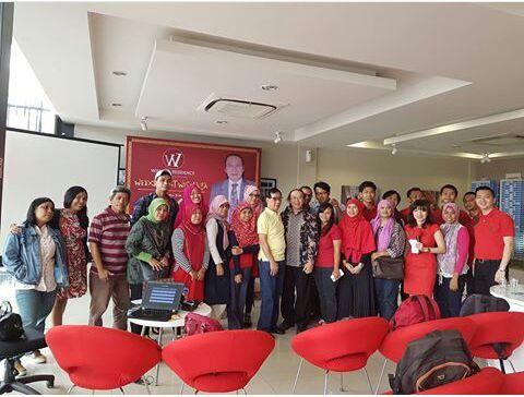 Komunitas Blogger yang diundang ke acara Wismaya Residence Bekasi (foto : Utie/Grup WA)