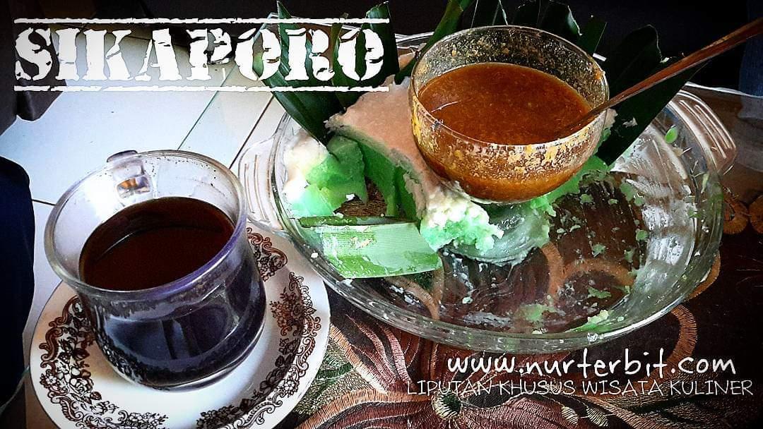 Kue Sikaporo khas Makassar (foto Nur Terbit)