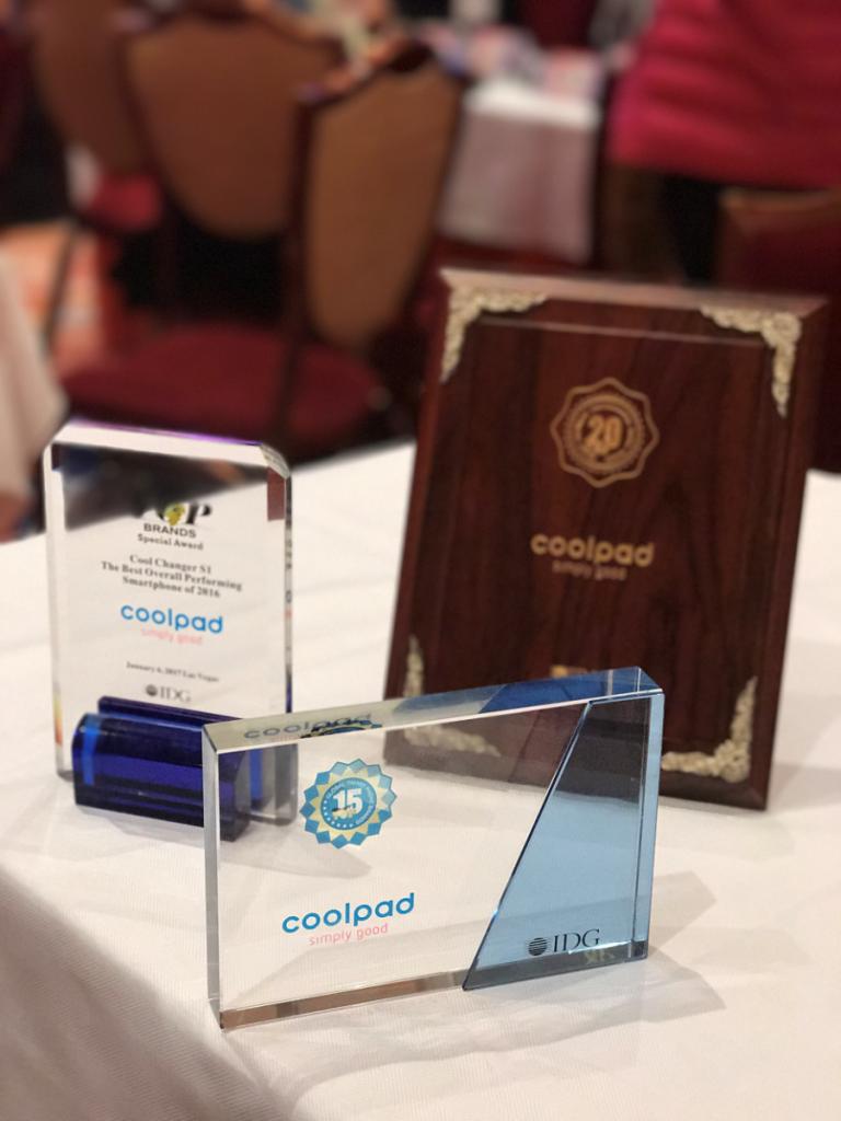 Coolpad Menerima 3 Piala IDG di CES 2017