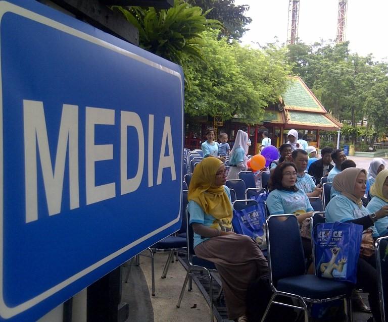 Media terutama media sosial, kini punya peran penting dalam menyebarkan informasi (foto Nur Terbit)