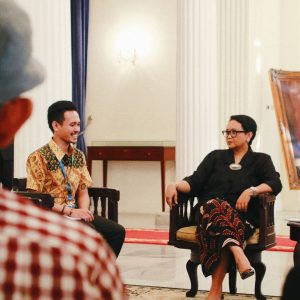 Foto Boomerang Bareng Menlu Retno Marsudi